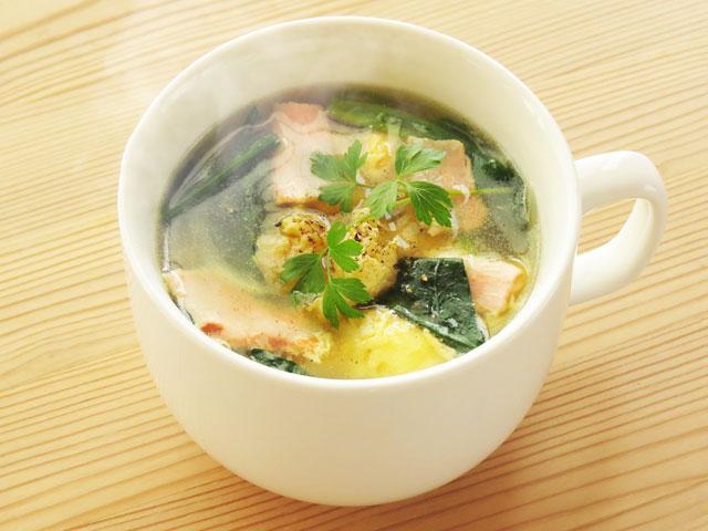 シンプルにおいしい!コンソメ味の卵スープで楽しむふわふわ食感♪ の画像